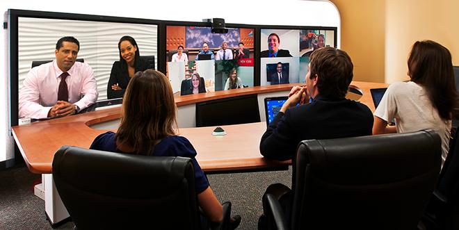 Reunião de equipe realizada usando tecnologia de Streaming